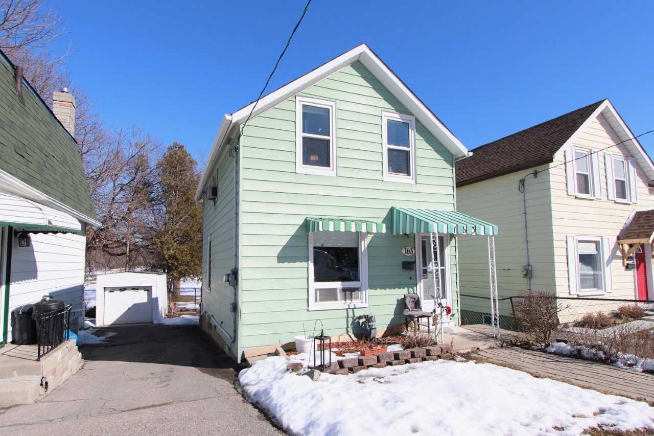 pictures of house for sale MLS: E5133312 located at 163 Nassau St, Oshawa L1J4A6
