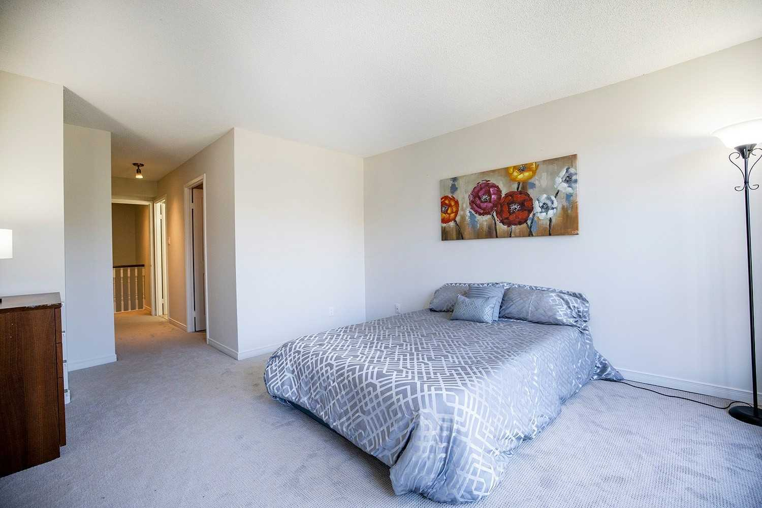 Image 4 of 20 showing inside of 2 Bedroom Condo Apt 2-Storey for Sale at 25 Cumberland Lane Unit# 112, Ajax L1S7K1