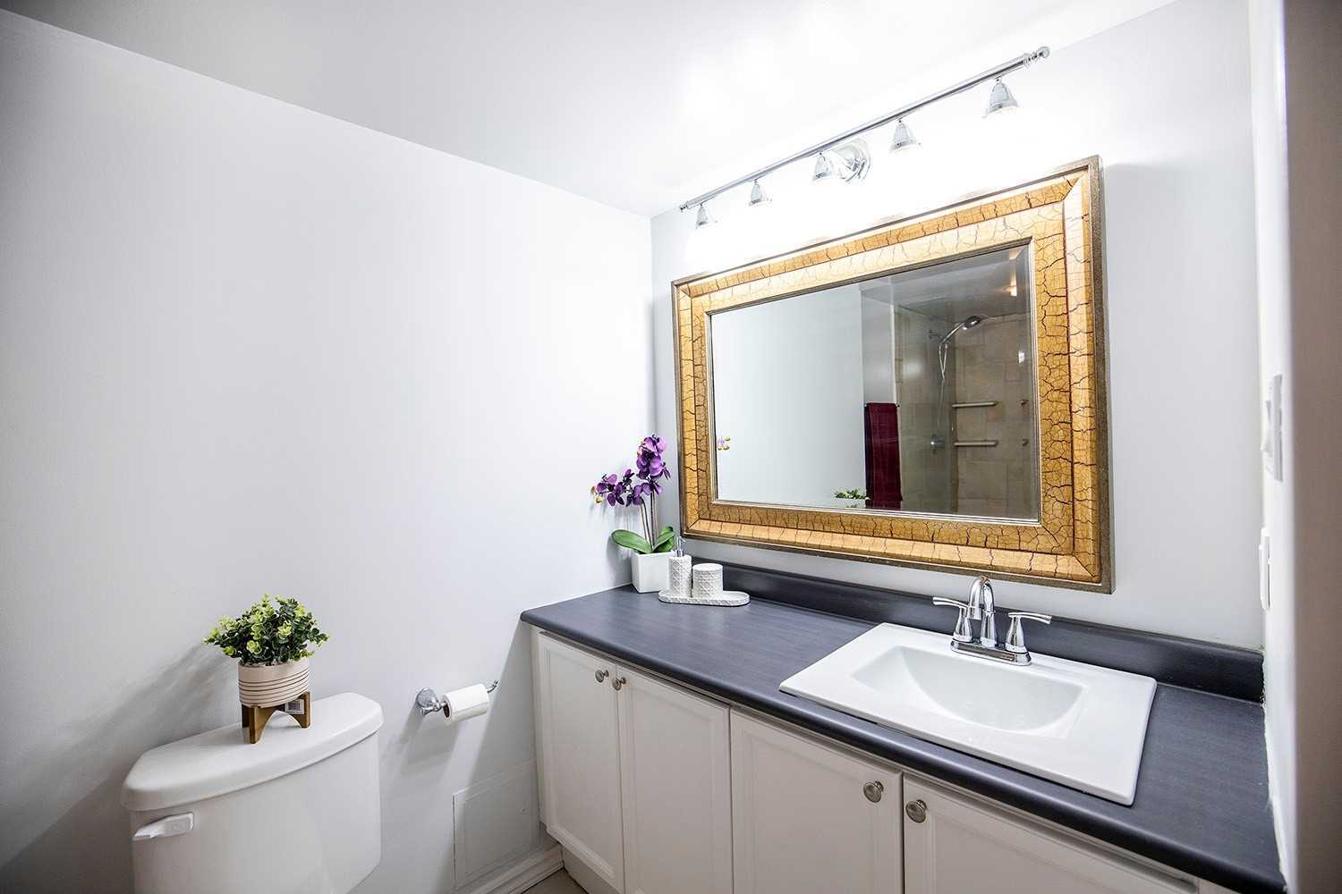 Image 6 of 20 showing inside of 2 Bedroom Condo Apt 2-Storey for Sale at 25 Cumberland Lane Unit# 112, Ajax L1S7K1