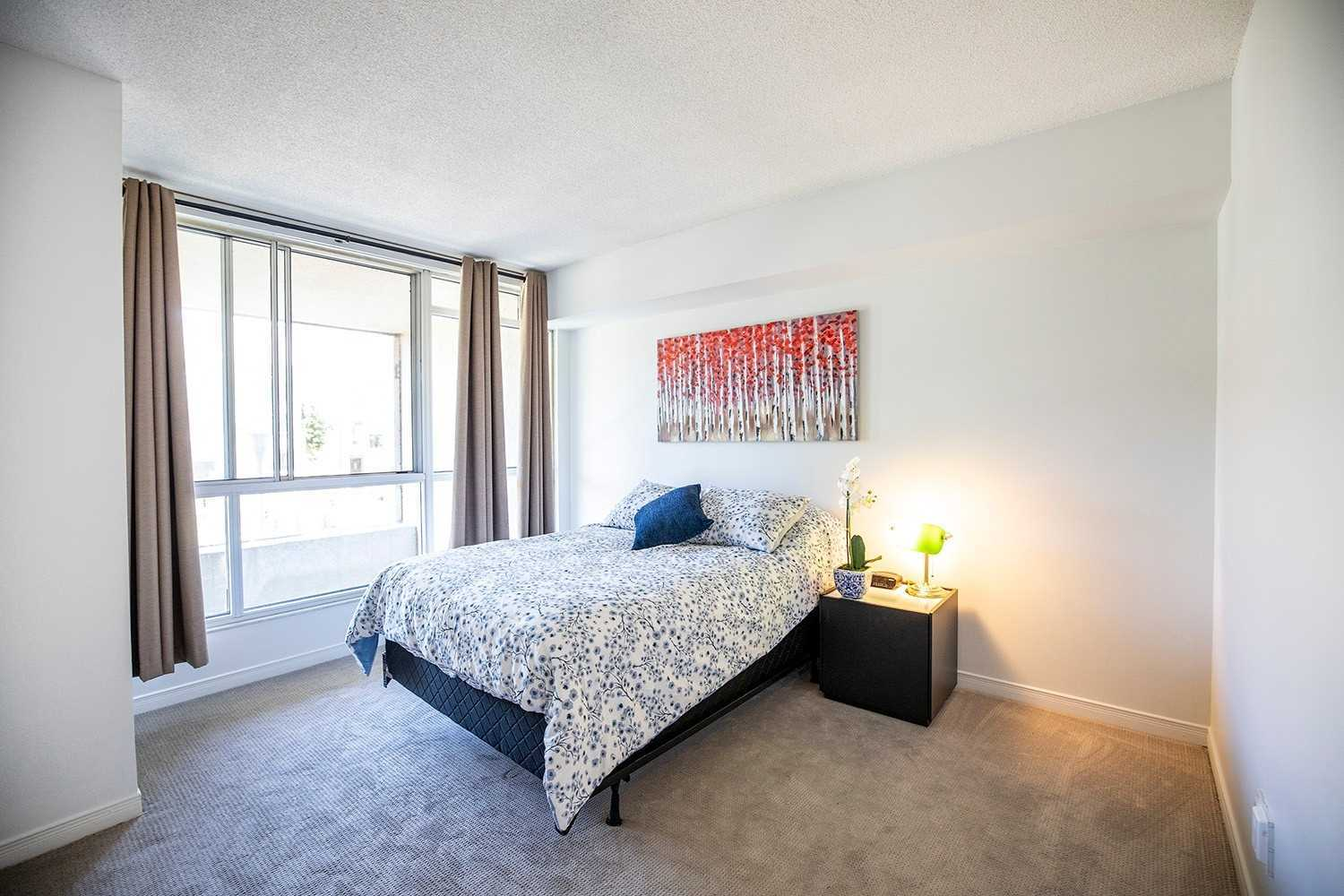 Image 8 of 20 showing inside of 2 Bedroom Condo Apt 2-Storey for Sale at 25 Cumberland Lane Unit# 112, Ajax L1S7K1