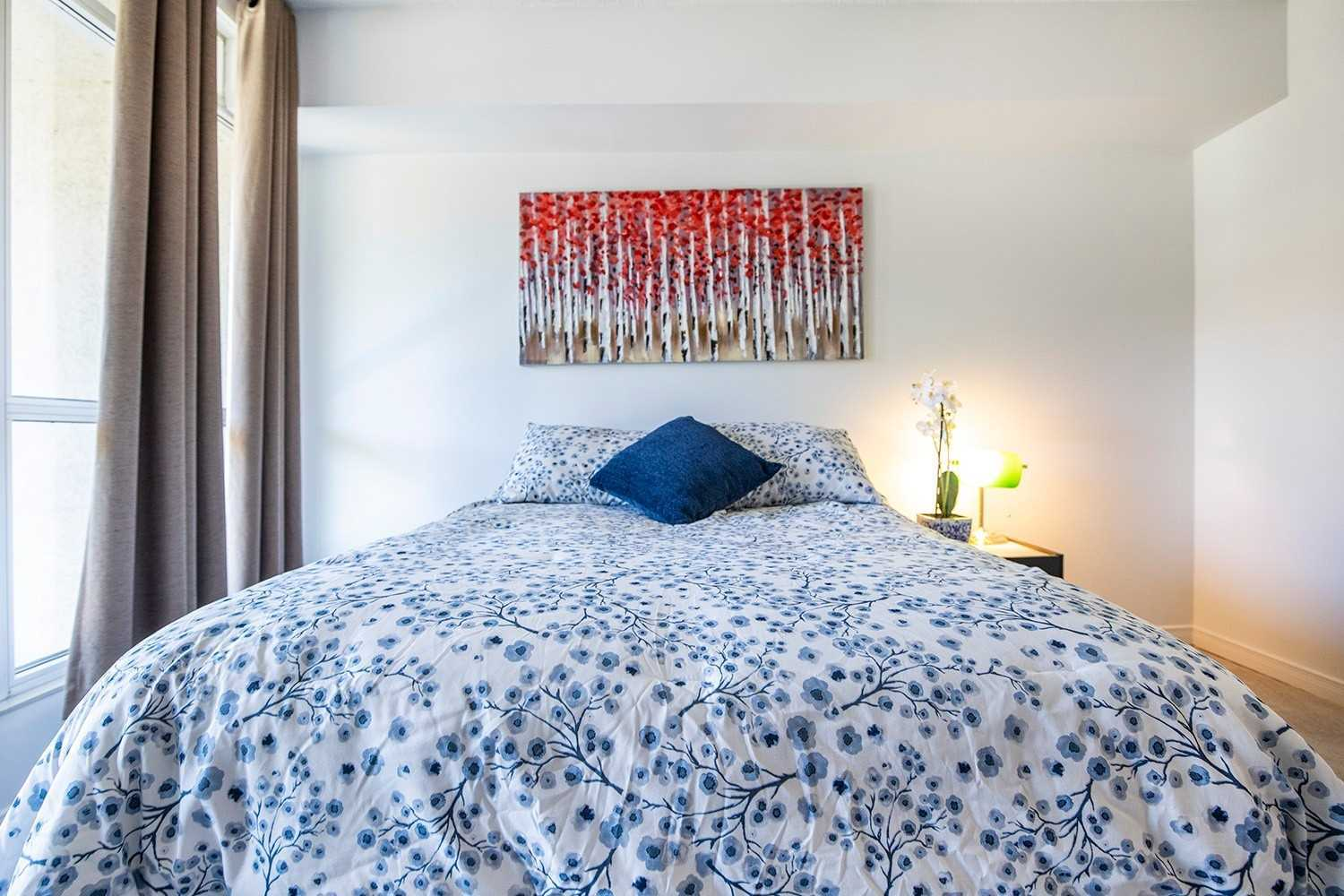Image 9 of 20 showing inside of 2 Bedroom Condo Apt 2-Storey for Sale at 25 Cumberland Lane Unit# 112, Ajax L1S7K1