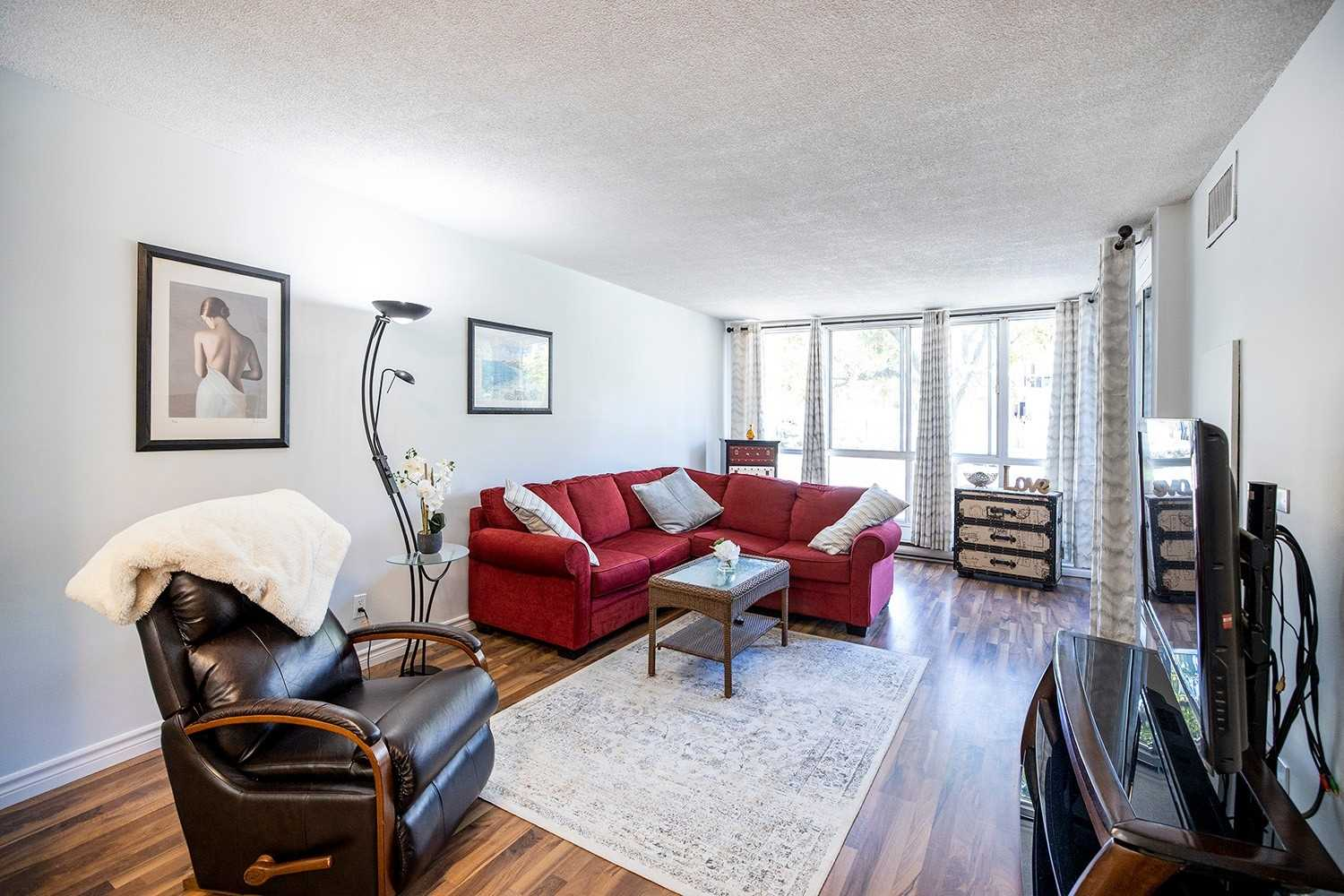 Image 12 of 20 showing inside of 2 Bedroom Condo Apt 2-Storey for Sale at 25 Cumberland Lane Unit# 112, Ajax L1S7K1