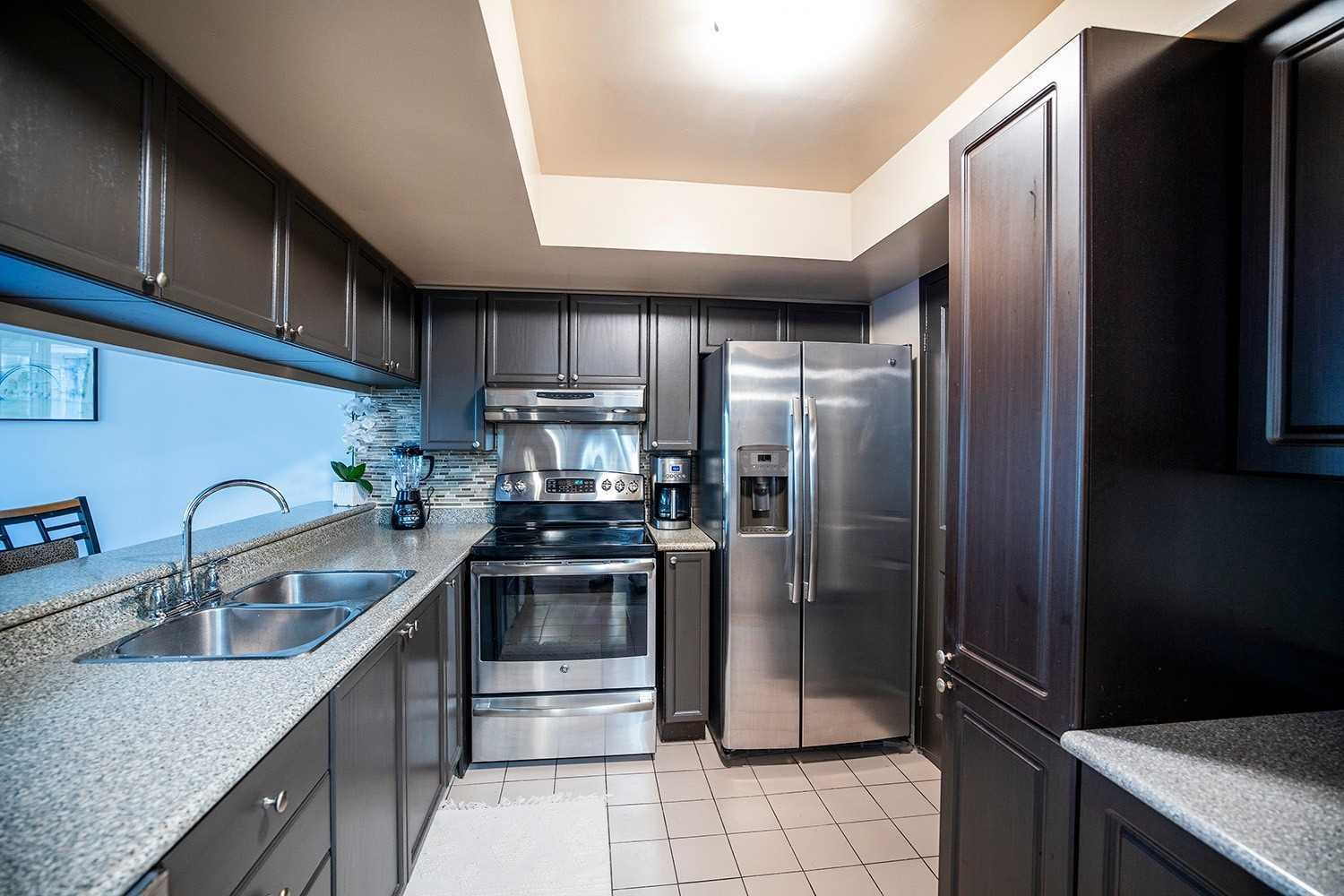 Image 17 of 20 showing inside of 2 Bedroom Condo Apt 2-Storey for Sale at 25 Cumberland Lane Unit# 112, Ajax L1S7K1