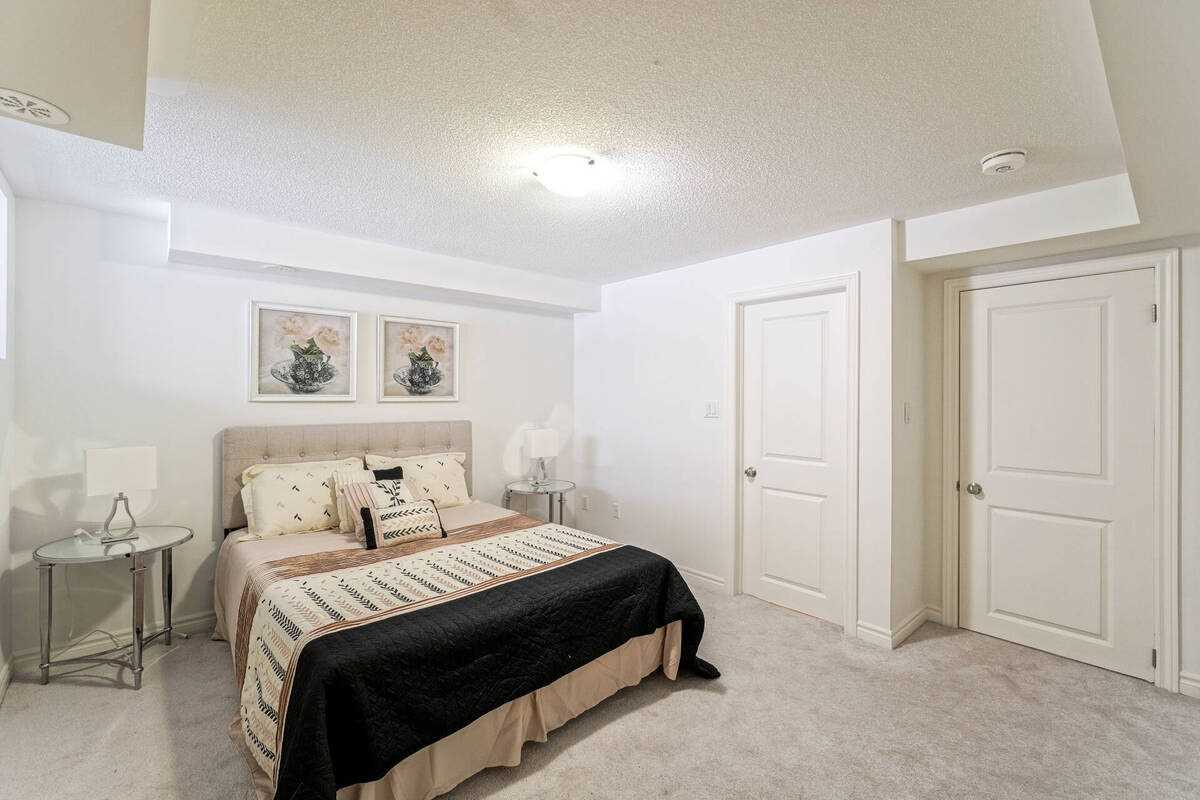 Image 16 of 38 showing inside of 2 Bedroom Condo Townhouse Stacked Townhse for Sale at 1806 Rex Heath Dr Unit# 97, Pickering L1X0E6