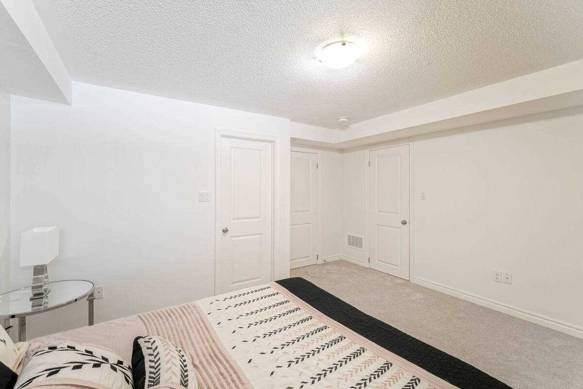 Image 17 of 38 showing inside of 2 Bedroom Condo Townhouse Stacked Townhse for Sale at 1806 Rex Heath Dr Unit# 97, Pickering L1X0E6