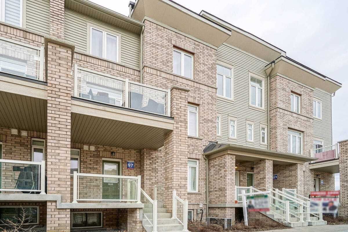 Image 23 of 38 showing inside of 2 Bedroom Condo Townhouse Stacked Townhse for Sale at 1806 Rex Heath Dr Unit# 97, Pickering L1X0E6