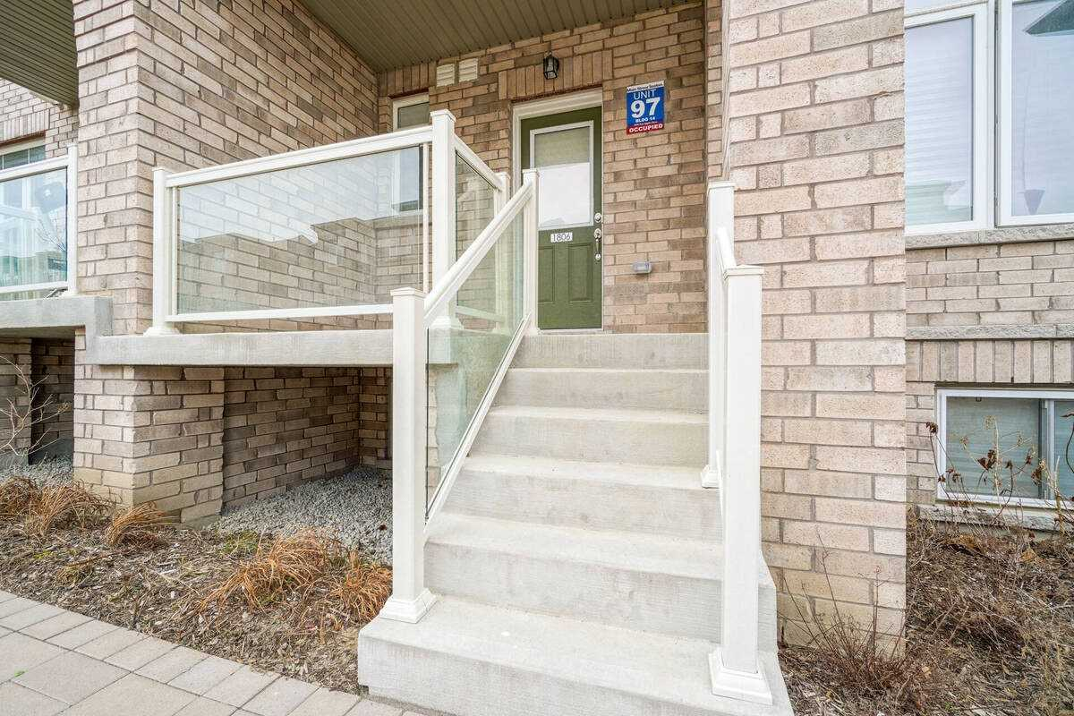 Image 33 of 38 showing inside of 2 Bedroom Condo Townhouse Stacked Townhse for Sale at 1806 Rex Heath Dr Unit# 97, Pickering L1X0E6