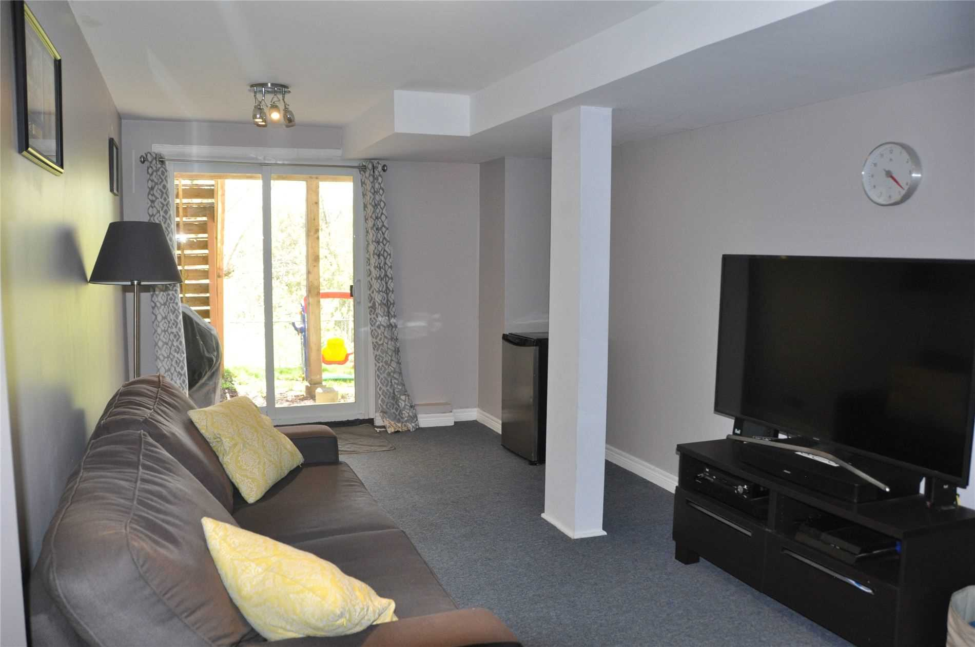 Image 3 of 12 showing inside of 3 Bedroom Condo Townhouse 2-Storey for Sale at 22 Macintyre Lane Unit# 11, Ajax L1T3X3