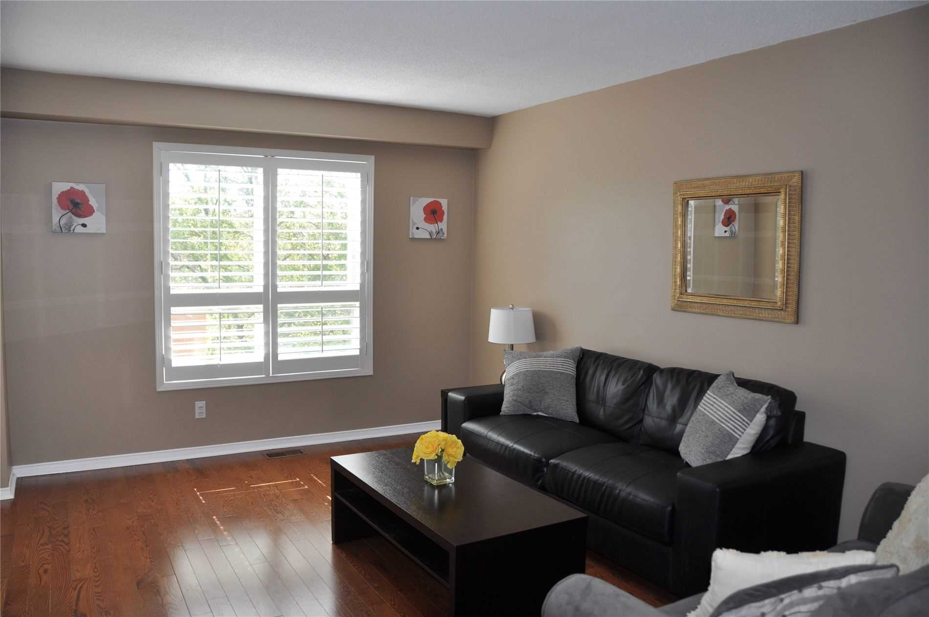 Image 6 of 12 showing inside of 3 Bedroom Condo Townhouse 2-Storey for Sale at 22 Macintyre Lane Unit# 11, Ajax L1T3X3