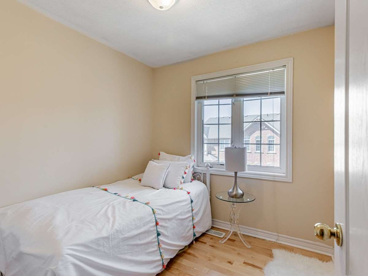 Image 2 of 22 showing inside of 3 Bedroom Condo Townhouse 2-Storey for Sale at 29 Annable Lane Unit# 29, Ajax L1S7S6
