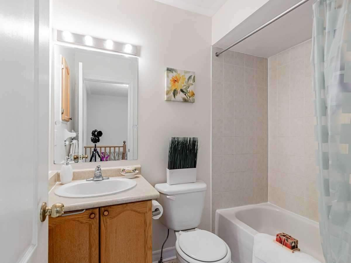 Image 3 of 22 showing inside of 3 Bedroom Condo Townhouse 2-Storey for Sale at 29 Annable Lane Unit# 29, Ajax L1S7S6
