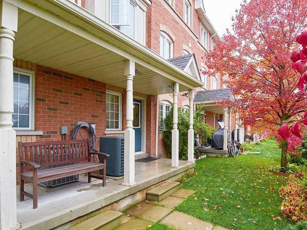Image 13 of 22 showing inside of 3 Bedroom Condo Townhouse 2-Storey for Sale at 29 Annable Lane Unit# 29, Ajax L1S7S6
