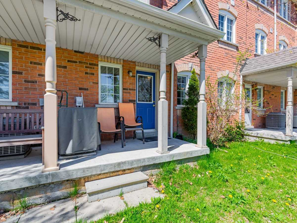 Image 16 of 22 showing inside of 3 Bedroom Condo Townhouse 2-Storey for Sale at 29 Annable Lane Unit# 29, Ajax L1S7S6