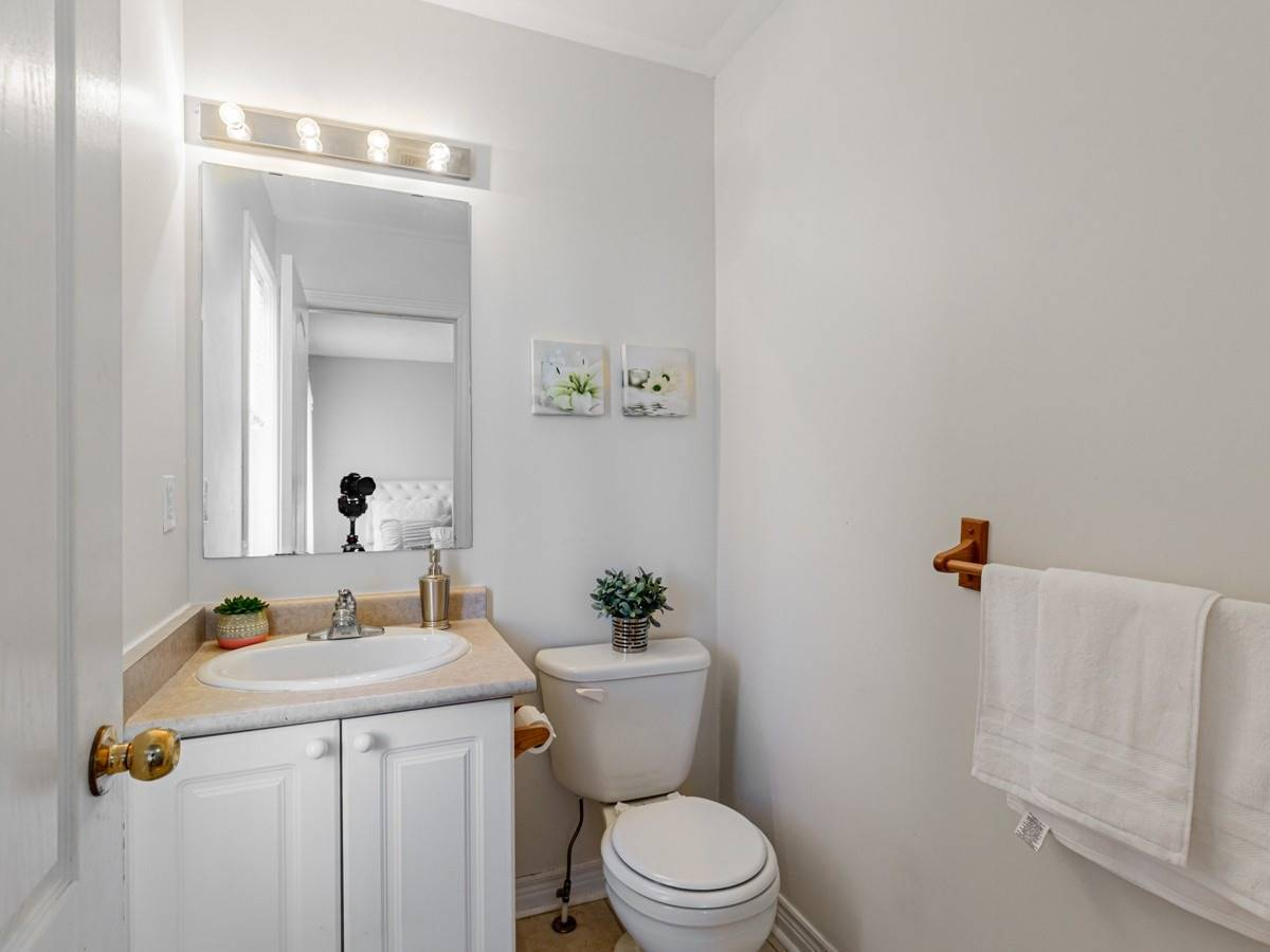 Image 19 of 22 showing inside of 3 Bedroom Condo Townhouse 2-Storey for Sale at 29 Annable Lane Unit# 29, Ajax L1S7S6