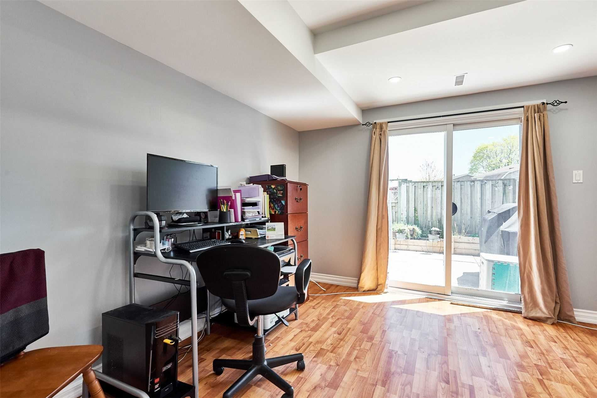 Image 20 of 33 showing inside of 3 Bedroom Condo Townhouse 2-Storey for Sale at 33 Clover Ridge Dr W Unit# 9, Ajax L1S3M5