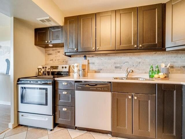 Image 5 of 25 showing inside of 2 Bedroom Condo Apt Apartment for Sale at 2 Westney Rd N Unit# 1203, Ajax L1T3H3