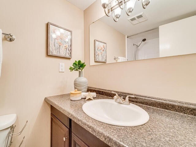 Image 6 of 25 showing inside of 2 Bedroom Condo Apt Apartment for Sale at 2 Westney Rd N Unit# 1203, Ajax L1T3H3