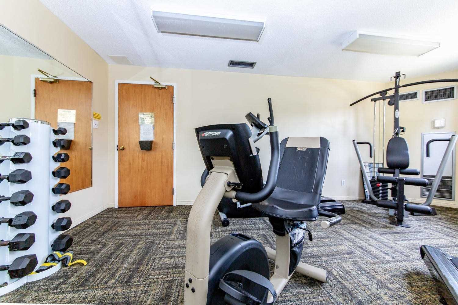 Image 16 of 25 showing inside of 2 Bedroom Condo Apt Apartment for Sale at 2 Westney Rd N Unit# 1203, Ajax L1T3H3