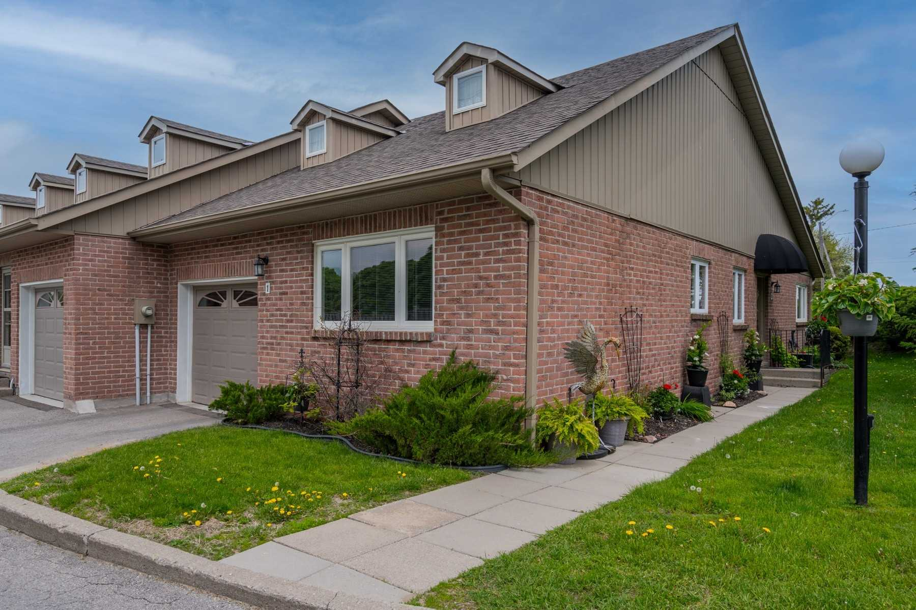 pictures of 234 Water St, Scugog L9L1C4