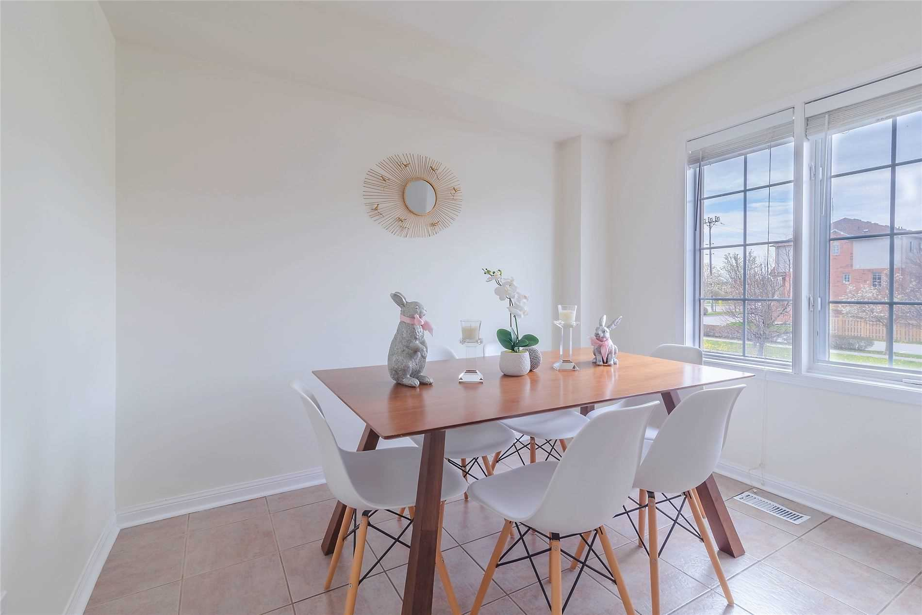 pictures of 75 Salmon Way, Whitby L1N9M8