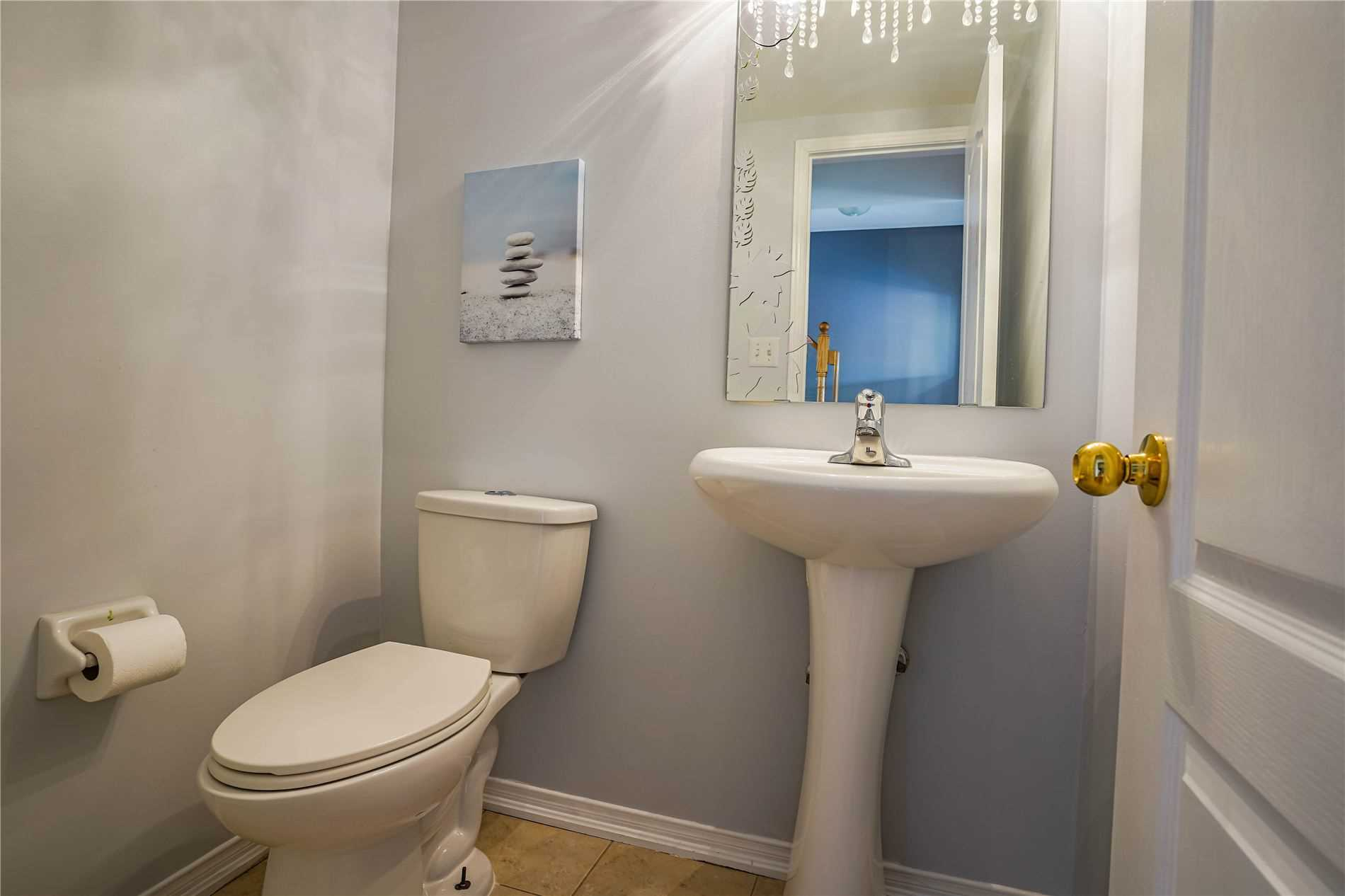 Image 2 of 25 showing inside of 3 Bedroom Condo Townhouse 3-Storey for Sale at 68 Oakins Lane W Unit# 34, Ajax L1T0H1