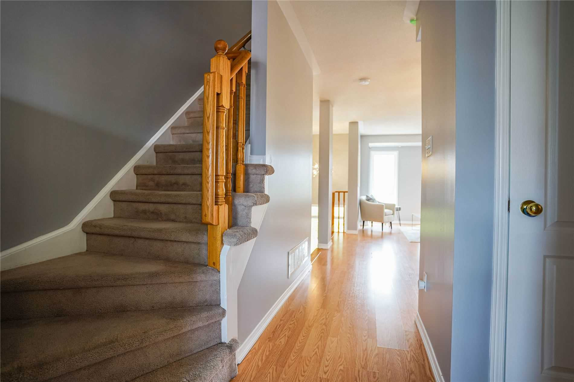 Image 3 of 25 showing inside of 3 Bedroom Condo Townhouse 3-Storey for Sale at 68 Oakins Lane W Unit# 34, Ajax L1T0H1