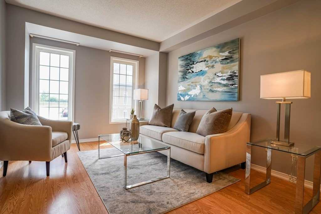Image 20 of 25 showing inside of 3 Bedroom Condo Townhouse 3-Storey for Sale at 68 Oakins Lane W Unit# 34, Ajax L1T0H1