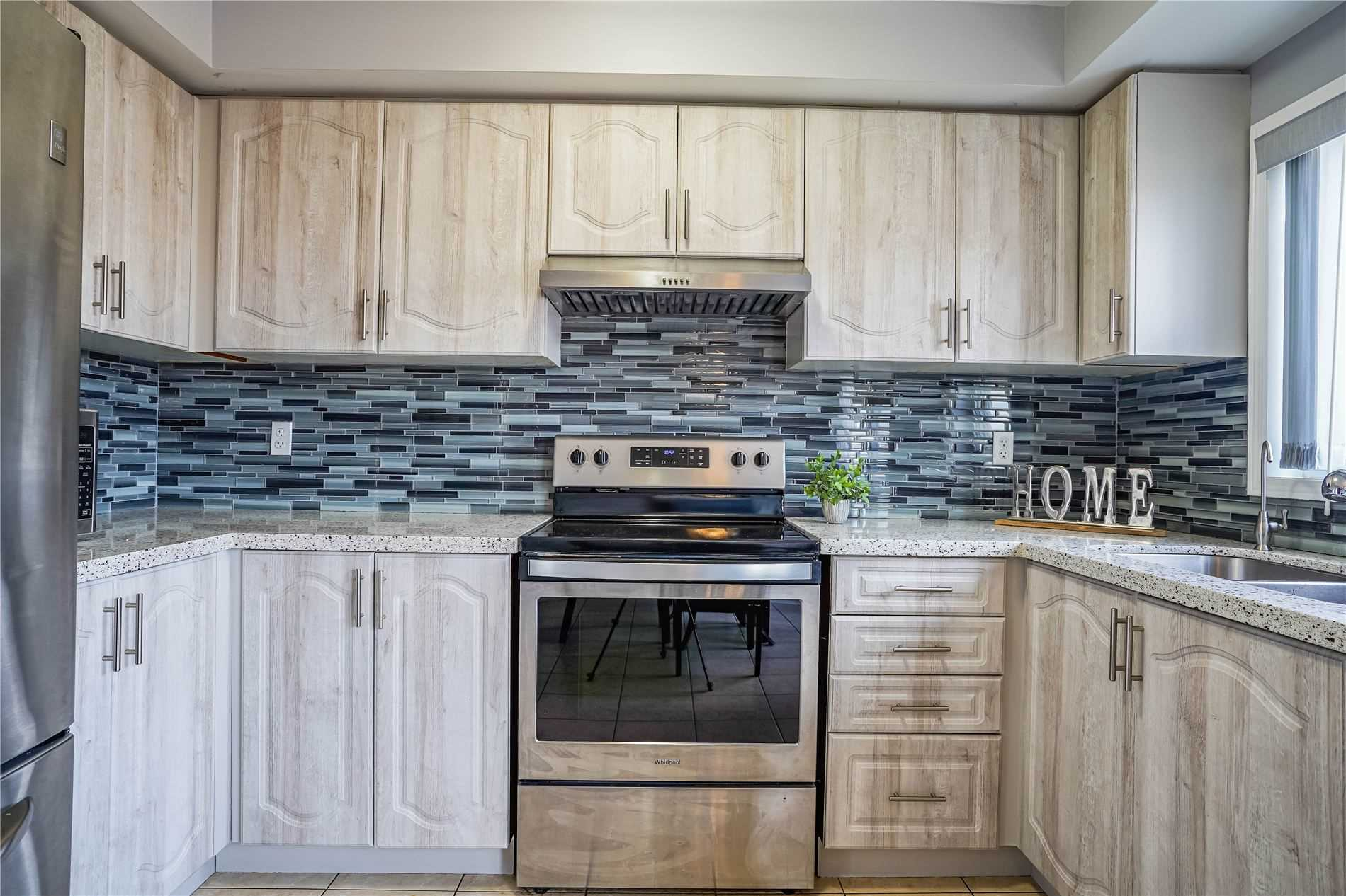 Image 24 of 25 showing inside of 3 Bedroom Condo Townhouse 3-Storey for Sale at 68 Oakins Lane W Unit# 34, Ajax L1T0H1