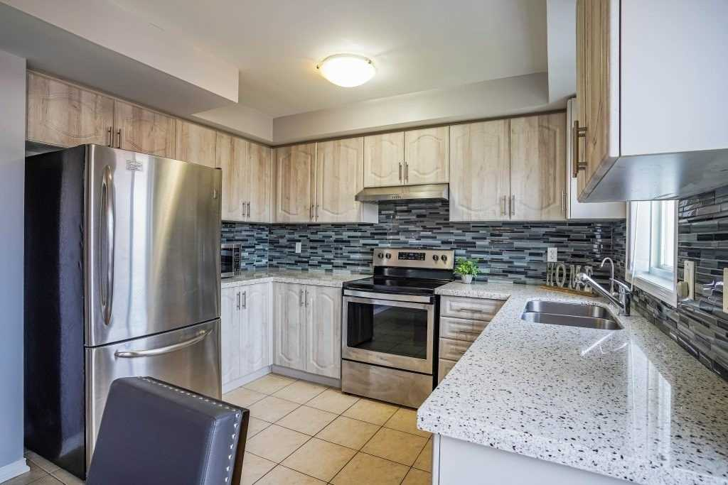 Image 25 of 25 showing inside of 3 Bedroom Condo Townhouse 3-Storey for Sale at 68 Oakins Lane W Unit# 34, Ajax L1T0H1