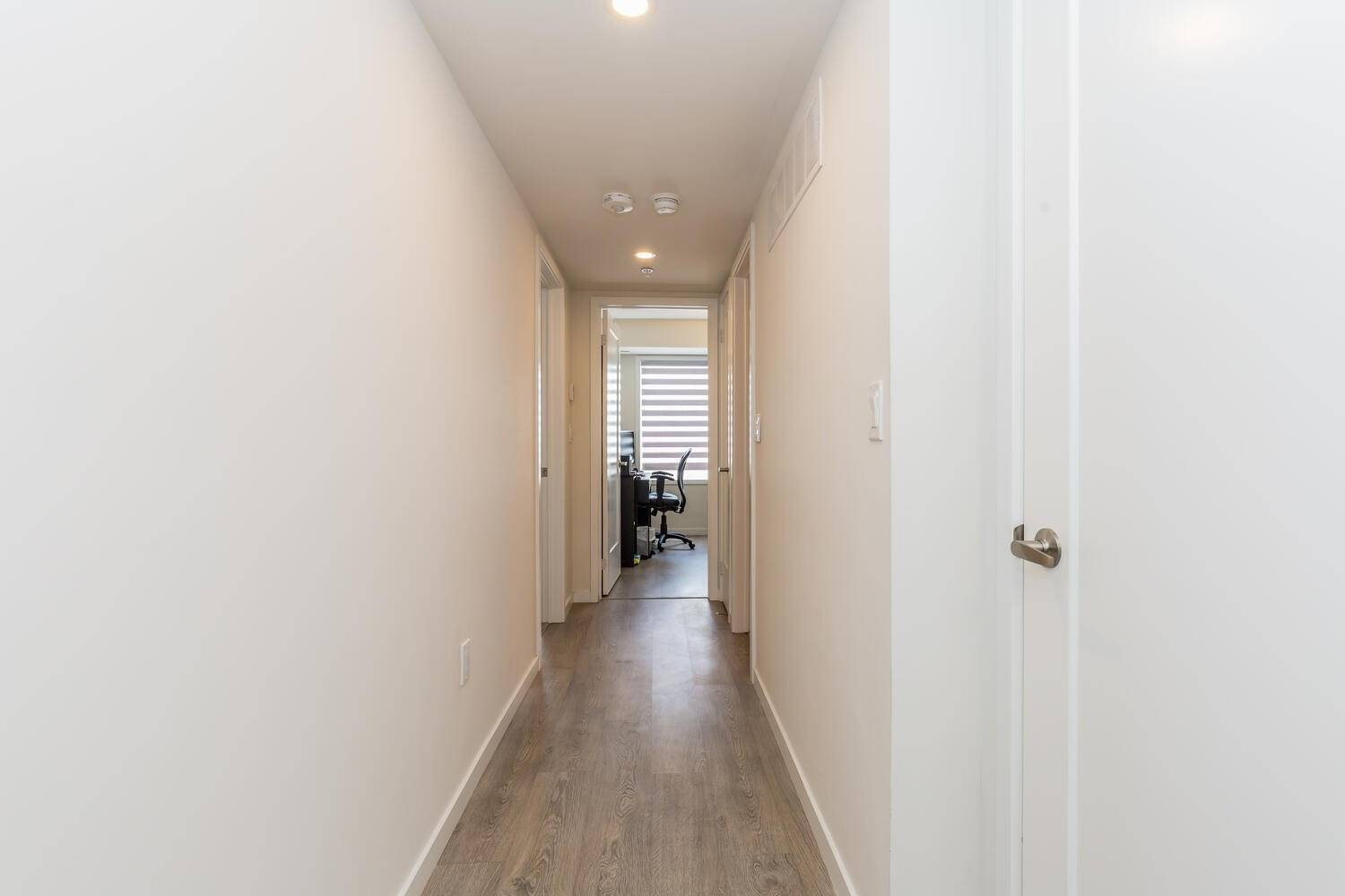 Image 2 of 17 showing inside of 2 Bedroom Condo Townhouse 2-Storey for Sale at 1711 Pure Springs Blvd Unit# 410, Pickering L1X0E3
