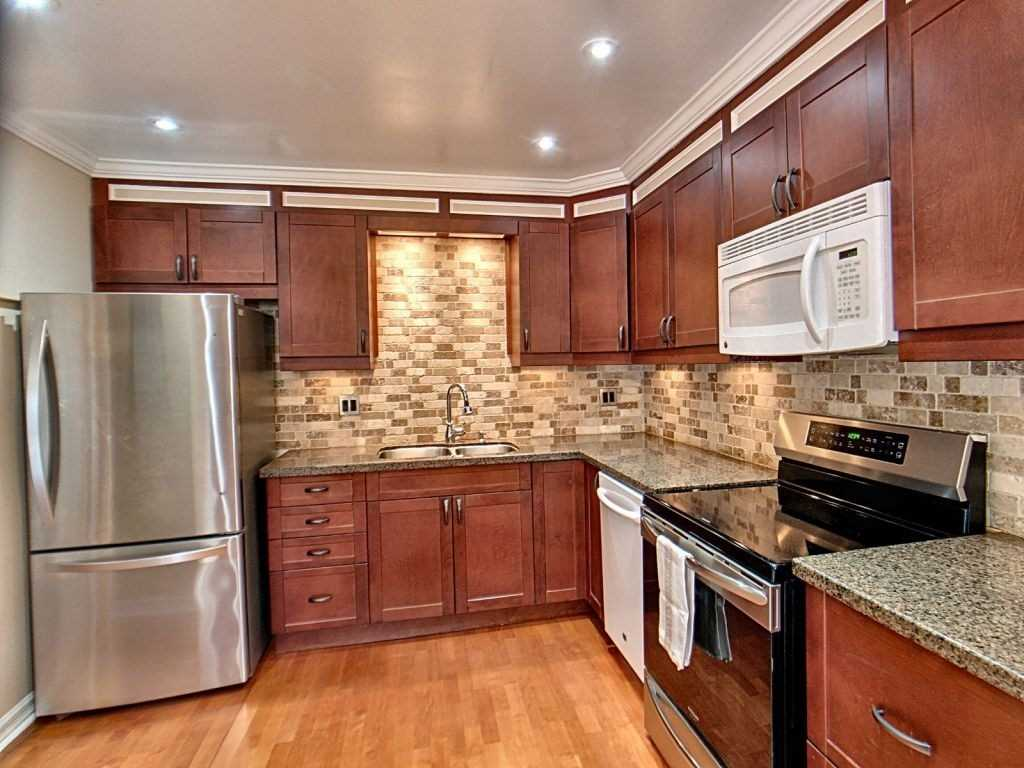 Image 2 of 23 showing inside of 3 Bedroom Condo Townhouse 2-Storey for Sale at 35 Robbie Cres Unit# 57, Ajax L1S3N1
