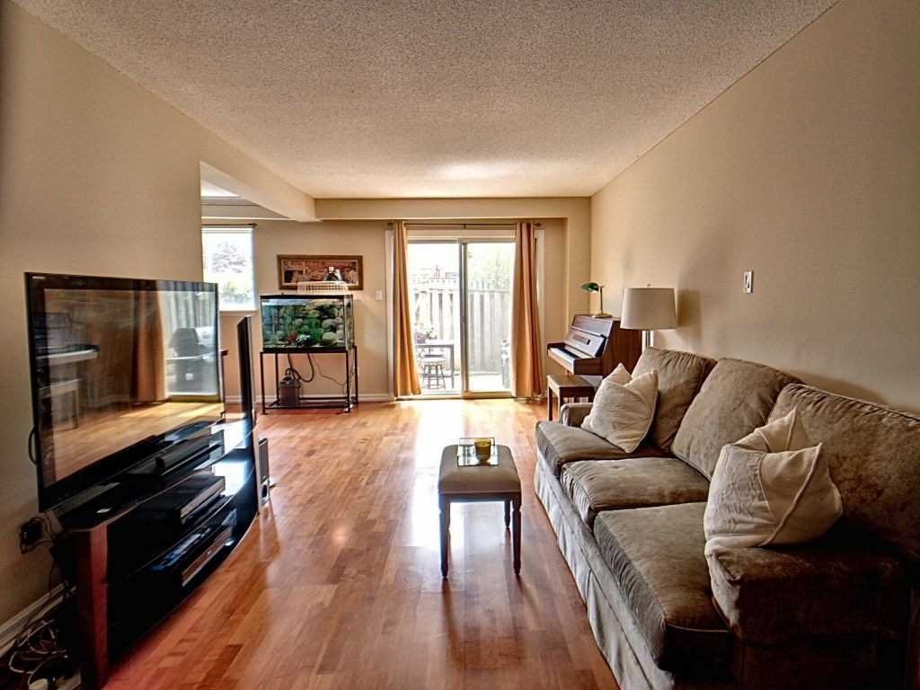 Image 17 of 23 showing inside of 3 Bedroom Condo Townhouse 2-Storey for Sale at 35 Robbie Cres Unit# 57, Ajax L1S3N1