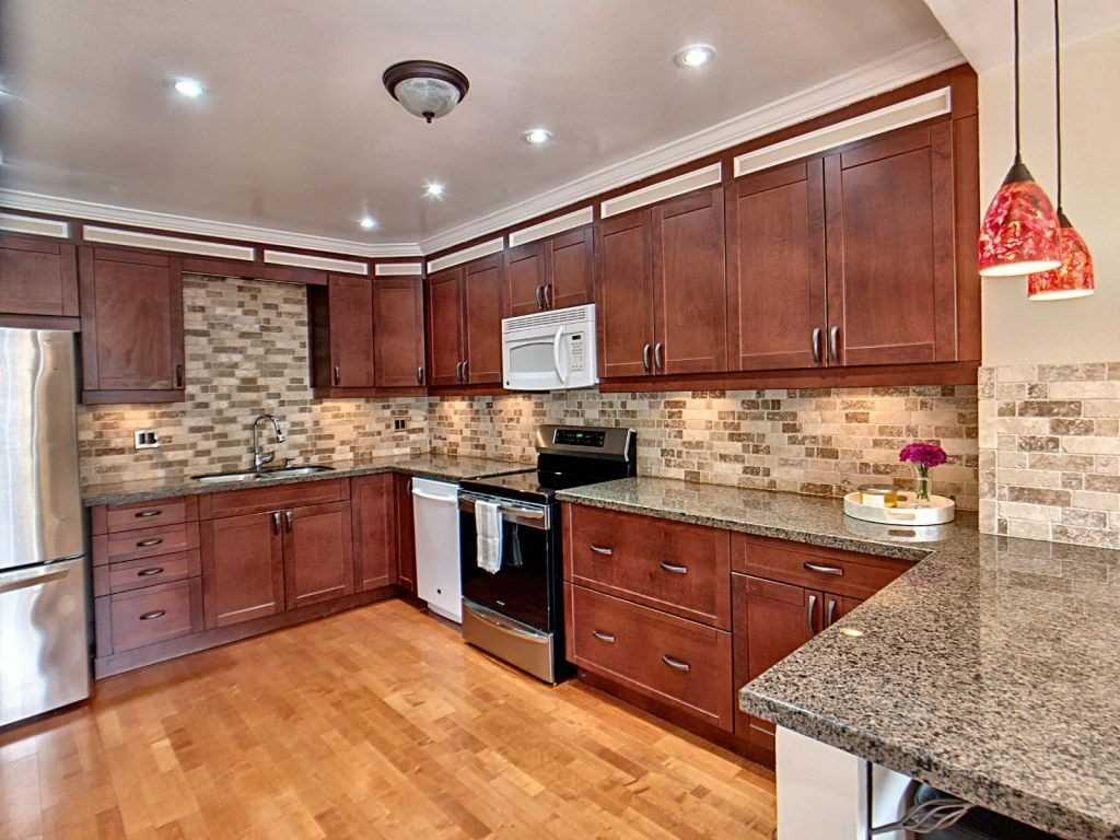 Image 22 of 23 showing inside of 3 Bedroom Condo Townhouse 2-Storey for Sale at 35 Robbie Cres Unit# 57, Ajax L1S3N1