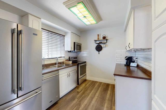 Image 2 of 29 showing inside of 3 Bedroom Det Condo 2-Storey for Sale at 80 Lucas Lane Unit# 75, Ajax L1S3P8