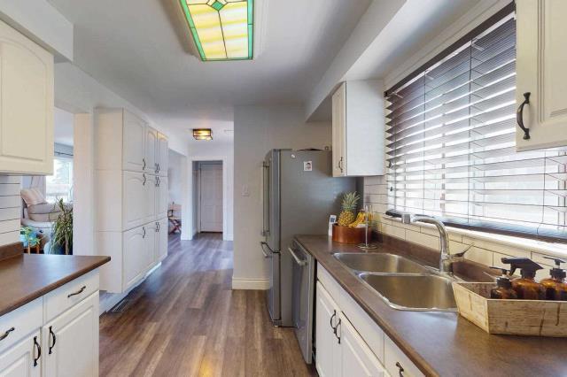 Image 3 of 29 showing inside of 3 Bedroom Det Condo 2-Storey for Sale at 80 Lucas Lane Unit# 75, Ajax L1S3P8
