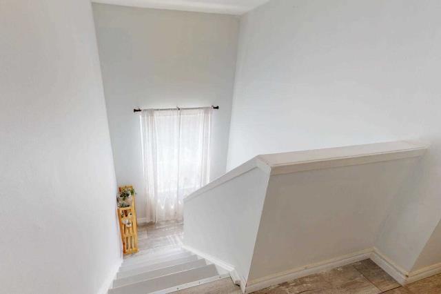 Image 5 of 29 showing inside of 3 Bedroom Det Condo 2-Storey for Sale at 80 Lucas Lane Unit# 75, Ajax L1S3P8