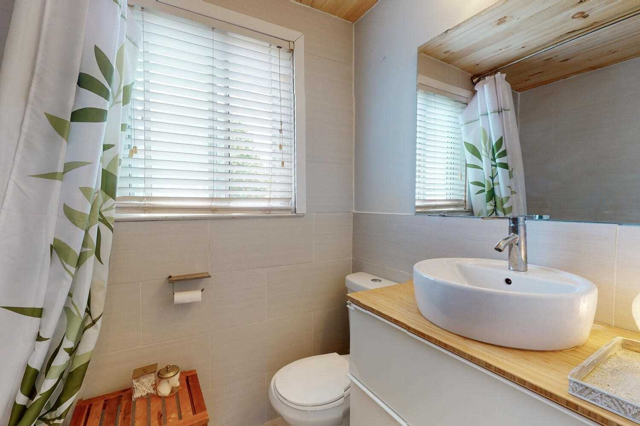 Image 9 of 29 showing inside of 3 Bedroom Det Condo 2-Storey for Sale at 80 Lucas Lane Unit# 75, Ajax L1S3P8