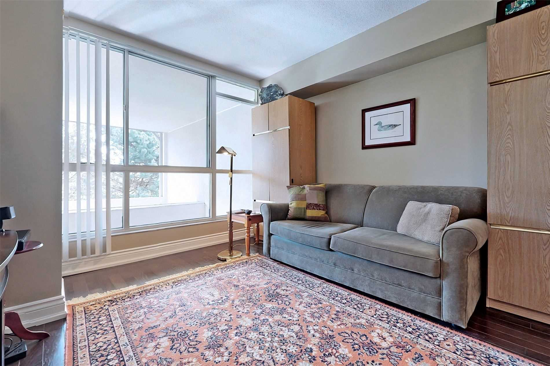 Image 15 of 40 showing inside of 2 Bedroom Condo Apt 2-Storey for Sale at 25 Cumberland Lane Unit# 105, Ajax L1S7K1