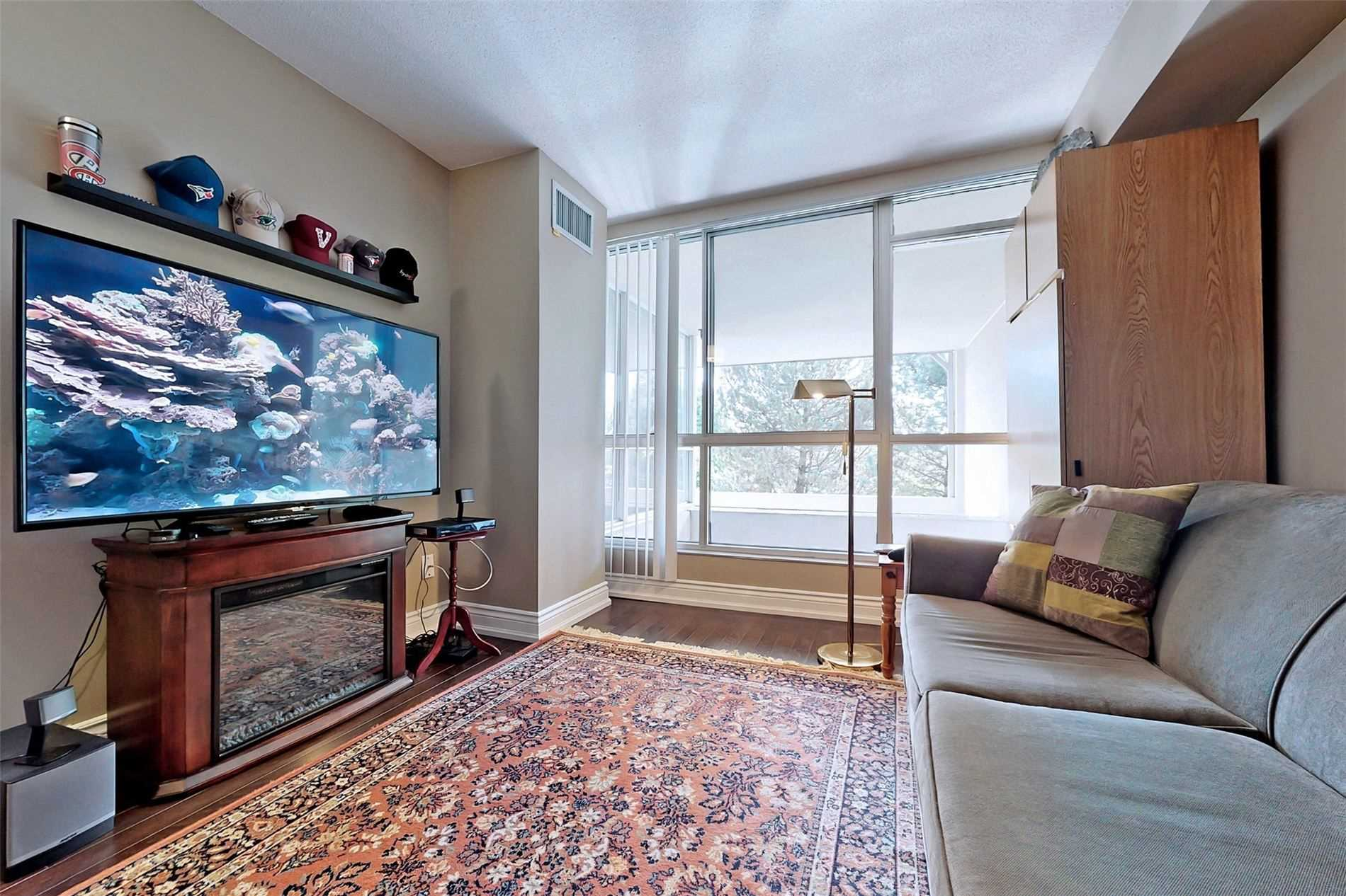 Image 16 of 40 showing inside of 2 Bedroom Condo Apt 2-Storey for Sale at 25 Cumberland Lane Unit# 105, Ajax L1S7K1