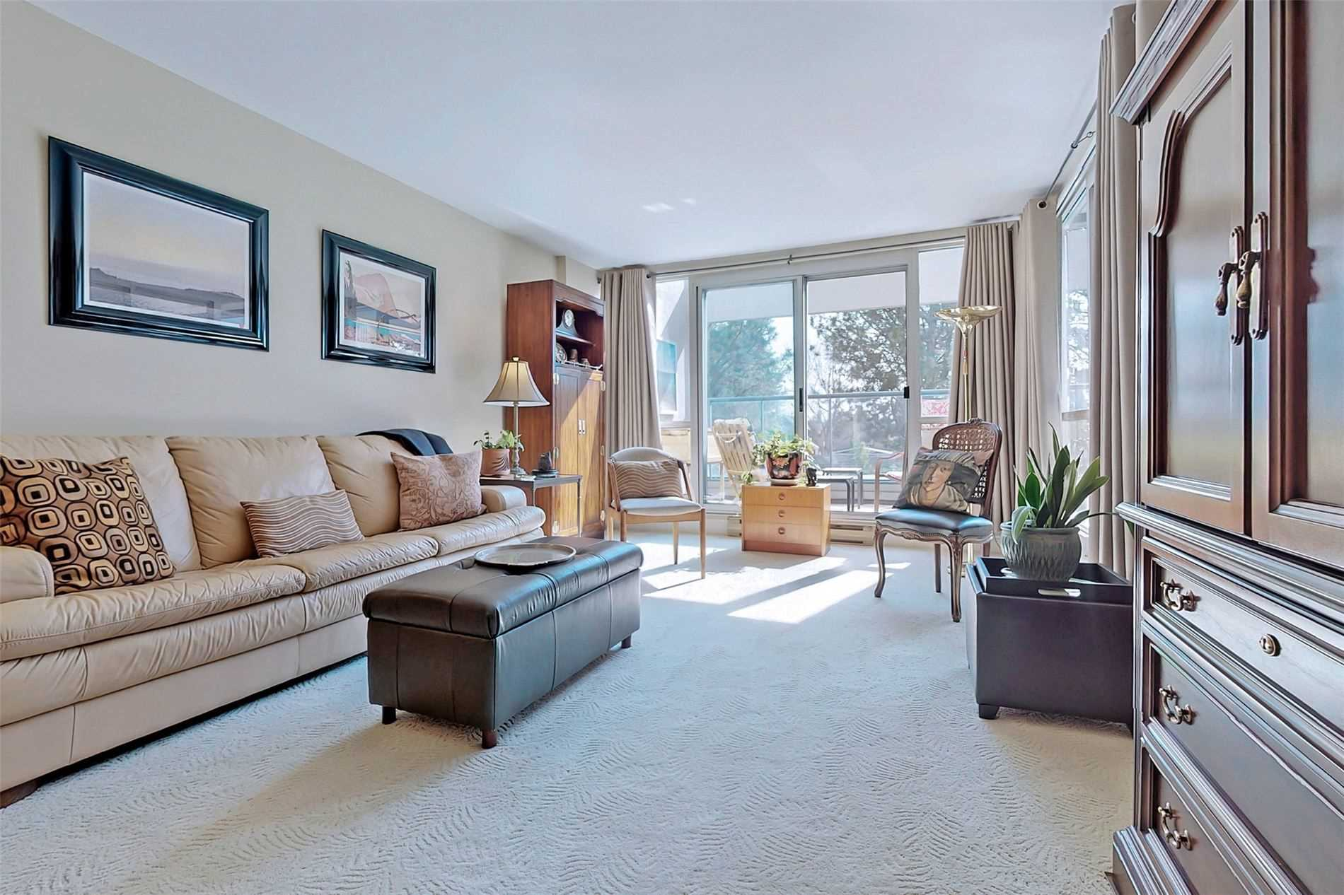 Image 36 of 40 showing inside of 2 Bedroom Condo Apt 2-Storey for Sale at 25 Cumberland Lane Unit# 105, Ajax L1S7K1