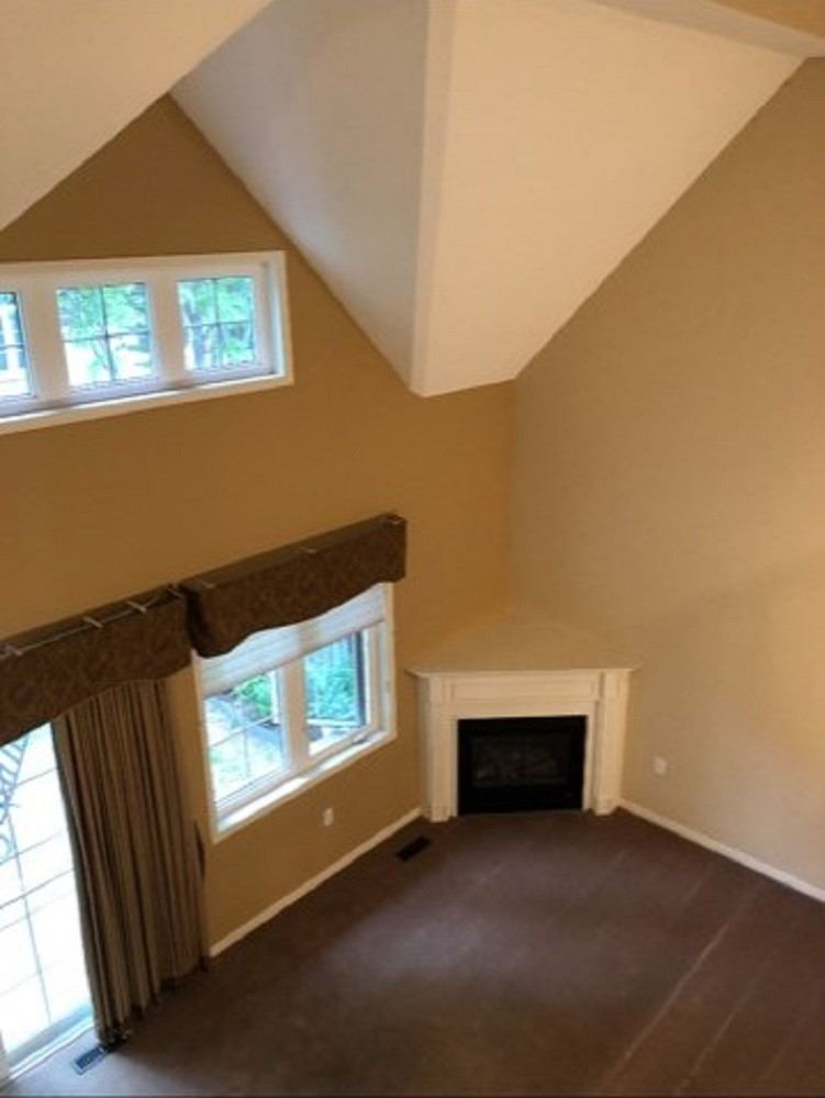 Image 35 of 37 showing inside of 1 Bedroom Condo Townhouse Bungaloft for Sale at 7 Gidley Lane Unit# 7, Ajax L1T4Z7