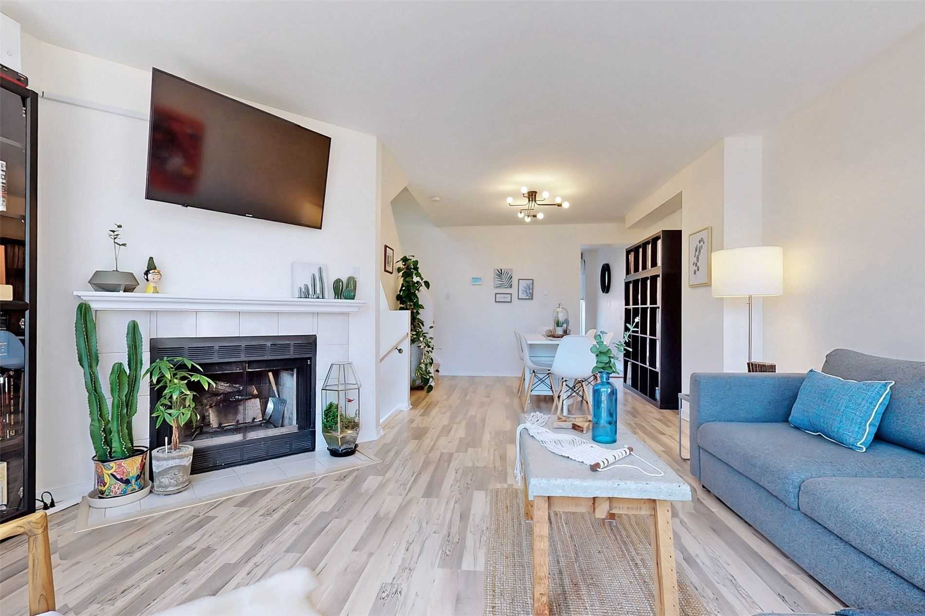 Image 6 of 40 showing inside of 3 Bedroom Condo Townhouse 3-Storey for Sale at 14 Cumberland Lane Unit# 7, Ajax L1S7K4