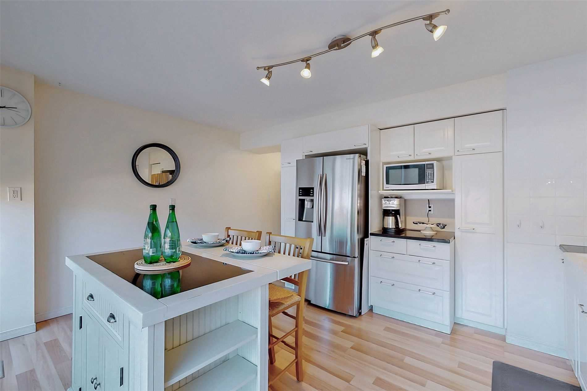Image 14 of 40 showing inside of 3 Bedroom Condo Townhouse 3-Storey for Sale at 14 Cumberland Lane Unit# 7, Ajax L1S7K4