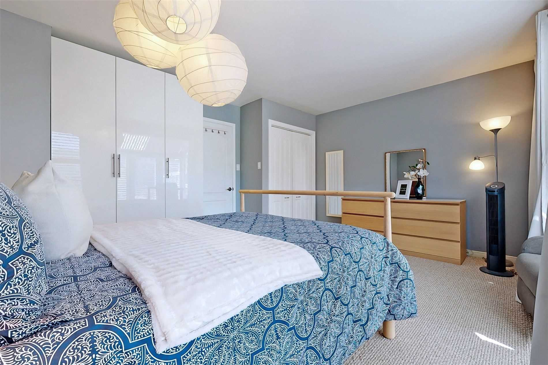 Image 24 of 40 showing inside of 3 Bedroom Condo Townhouse 3-Storey for Sale at 14 Cumberland Lane Unit# 7, Ajax L1S7K4