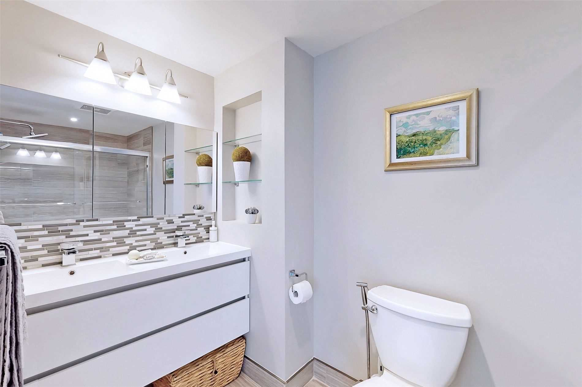 Image 26 of 40 showing inside of 3 Bedroom Condo Townhouse 3-Storey for Sale at 14 Cumberland Lane Unit# 7, Ajax L1S7K4