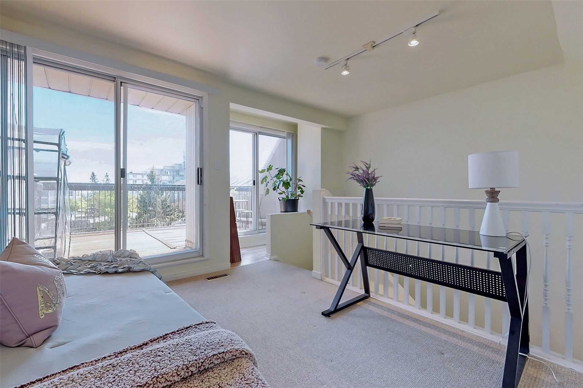 Image 32 of 40 showing inside of 3 Bedroom Condo Townhouse 3-Storey for Sale at 14 Cumberland Lane Unit# 7, Ajax L1S7K4
