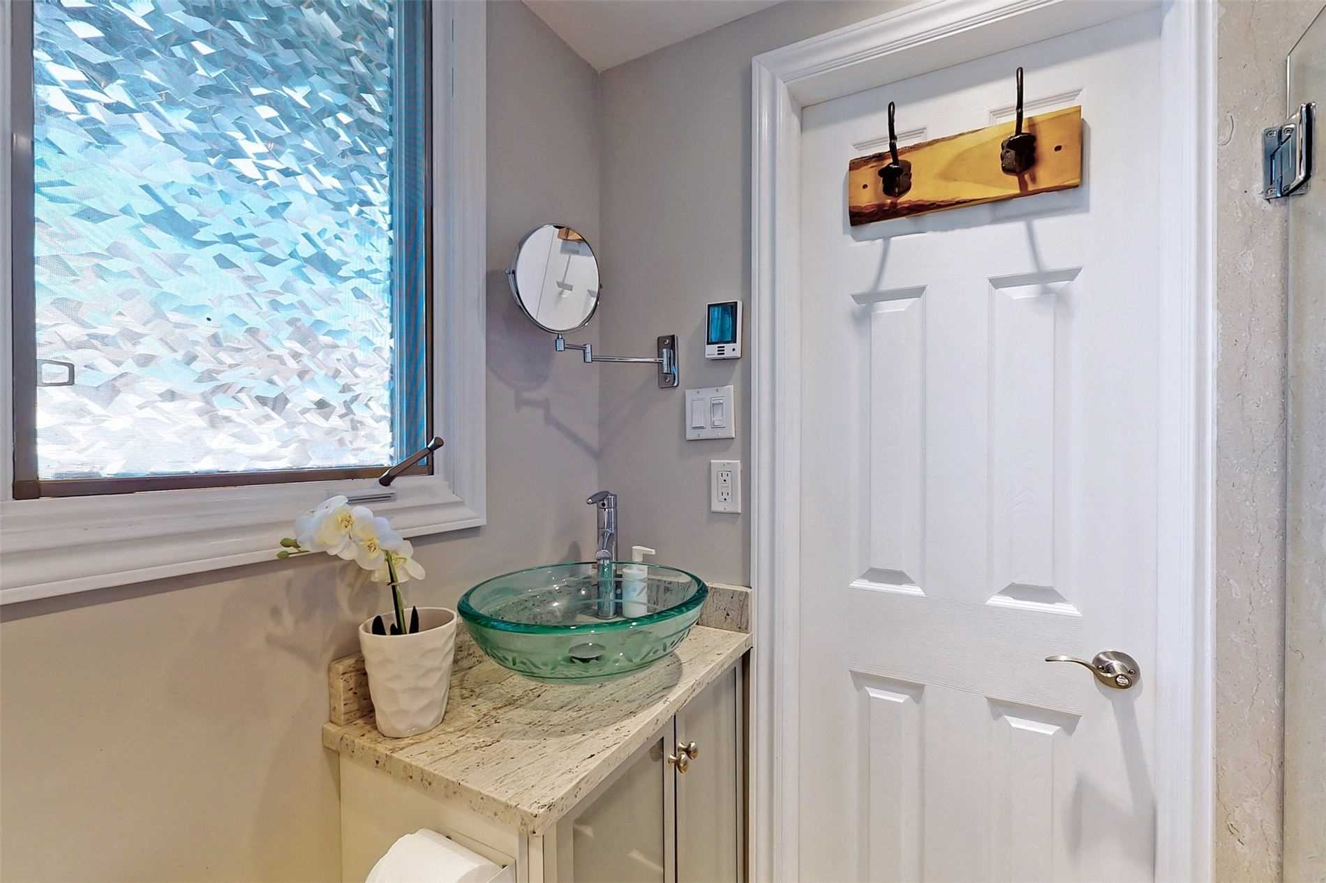 Image 39 of 40 showing inside of 3 Bedroom Condo Townhouse 3-Storey for Sale at 14 Cumberland Lane Unit# 7, Ajax L1S7K4