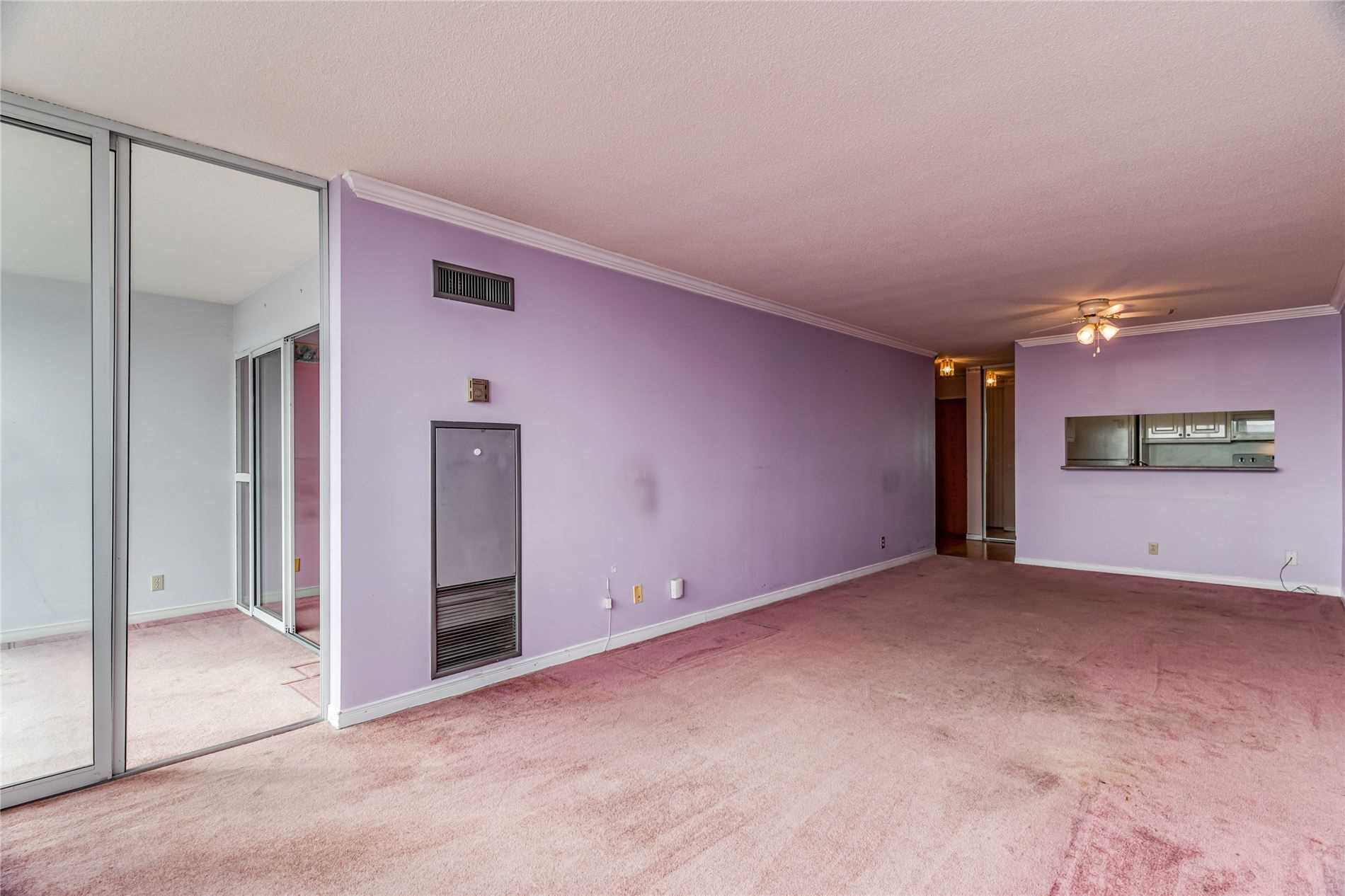 Image 7 of 40 showing inside of 2 Bedroom Condo Apt Apartment for Sale at 1665 Pickering Pkwy Unit# 812, Pickering L1V6L4