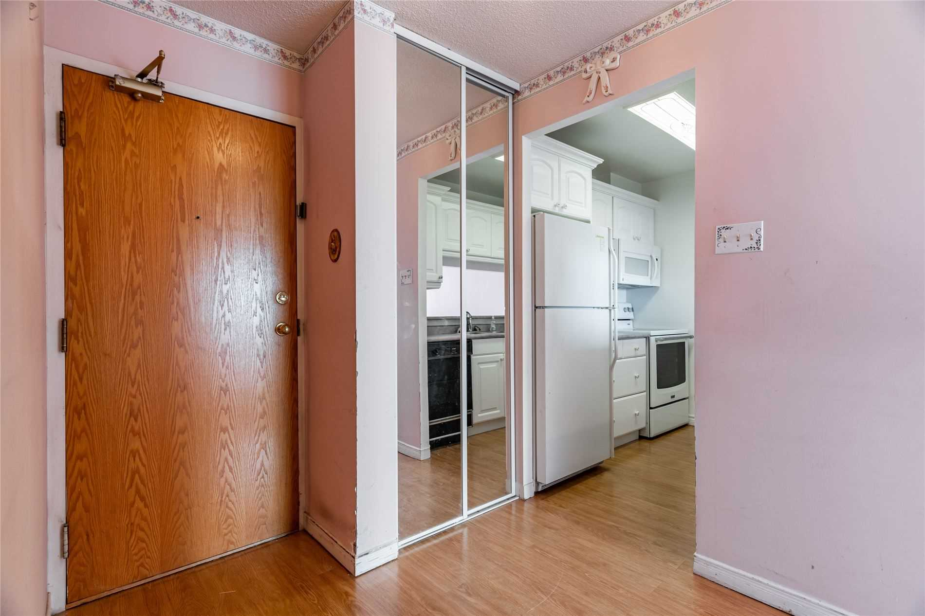 Image 38 of 40 showing inside of 2 Bedroom Condo Apt Apartment for Sale at 1665 Pickering Pkwy Unit# 812, Pickering L1V6L4