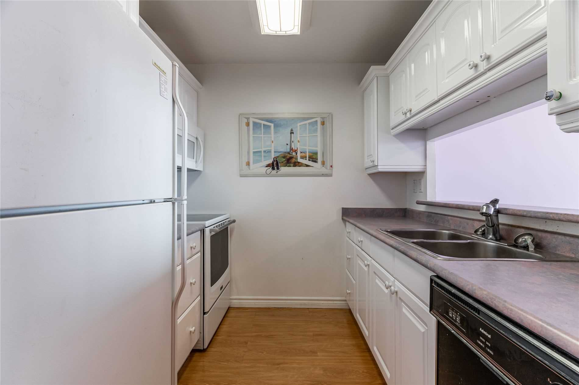 Image 39 of 40 showing inside of 2 Bedroom Condo Apt Apartment for Sale at 1665 Pickering Pkwy Unit# 812, Pickering L1V6L4